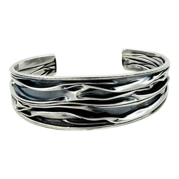 20mm Oksitli Buruşuk Altı Açık Gümüş Kadın Bilezik, Taşsız Bilezikler  925 ayar gümüştür.