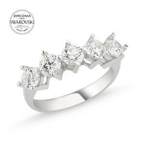 Gümüş Swarovski Zirconia Taşlı Beştaş Yüzük, Zirkon Taşlı Bayan Yüzükleri Rodyum Kaplama 925 ayar gümüştür.