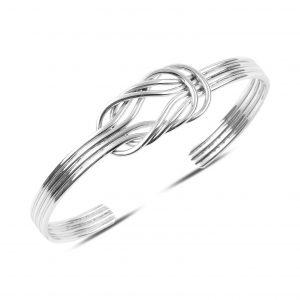 Sade Örgülü Gümüş Kadın Bilezik, Taşsız Bilezikler Rodyum Kaplama 925 ayar gümüştür.