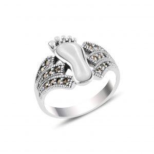 Sedef & Markazit Taşlı Ayak İzi Gümüş Yüzük, Doğal Taşlı Bayan Yüzükleri  925 ayar gümüştür.
