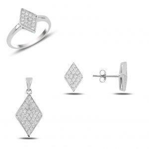 Zirkon Taşlı Baklava Şekli Gümüş Takı Seti, Zirkon Taşlı Setler Rodyum Kaplama 925 ayar gümüştür.