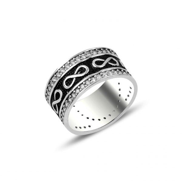 Zirkon Taşlı Parmakizi Detaylı Sonsuzluk Gümüş Alyans, Zirkon Taşlı Bayan Yüzükleri  925 ayar gümüştür.