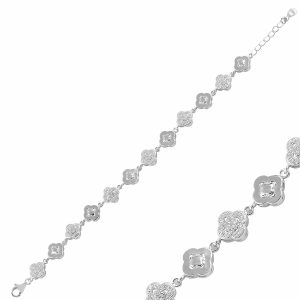 Yonca Zirkon Taşlı Gümüş Bileklik, Bileklik Rodyum Kaplama 925 Ayar Gümüştür.